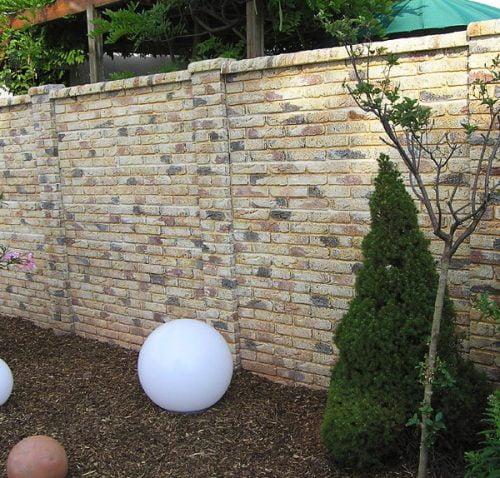 Gard-frumos-caramida-falsa-imitatie-600x598-500x478
